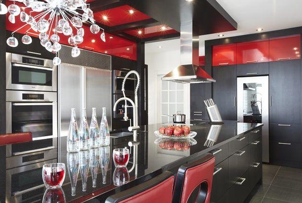Armoires de cuisine de style moderne Ces armoires de cuisine ont - Photo Cuisine Rouge Et Grise