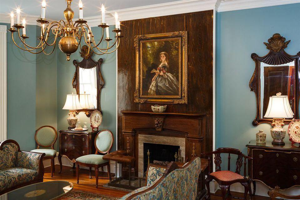 Traverse the Spookiest Spots in Savannah Savannah chat