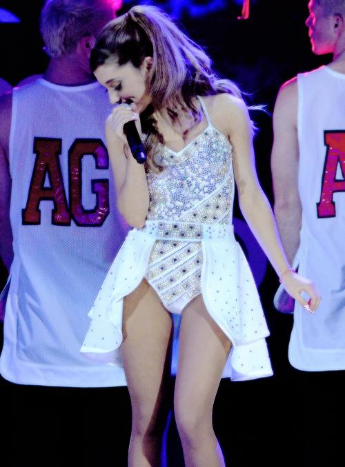Hot Shots: Ariana Grande Kicks Off Sweetener Tour in New