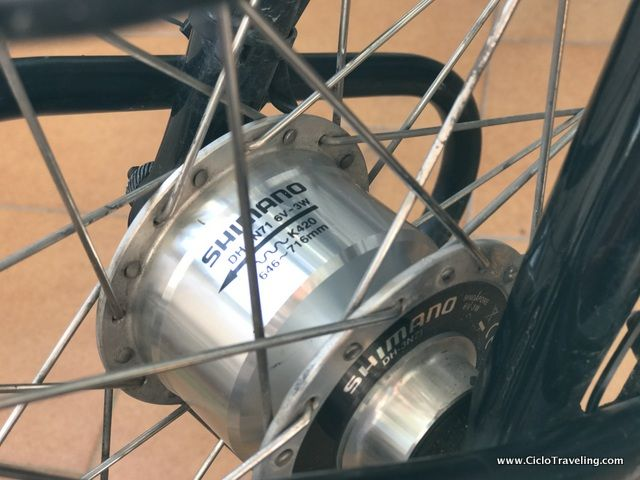 Vocabulario cicloturista para viajar en bicicleta - Dinamo de buje - Ciclotraveling