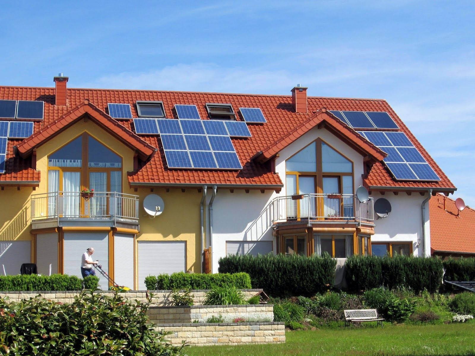 Best solar panels for house solar panels for house for Solar energy house designs