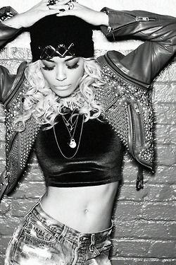 2ecd2a28a54d8 Rita Ora !!   Coups de coeur   Pinterest   Mode, Mode tendance and ...