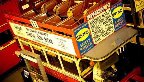 Inclusa nel London Pass:  http://www.vivilondra.it/LondonPass.html  Nel cuore di Covent Garden, il London Transport Museum incuriosisce ogni giorno centinaia di visitatori attraverso una ricca collezione di mezzi di trasporto datati inizio XIX secolo e una serie straordinaria di poster storici di Londra. Operativo dall'inizio degli anni '70 e recentemente riprogettato, il complesso è una tappa d'obbligo per chi subisce l'incredibile fascino dei trasporti londinesi.