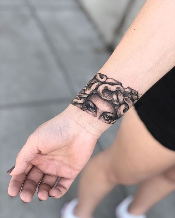 Bracelet – Tattooing. How do you like this decision – Tattoo, Tattoo ideas, Tattoo shops, Tattoo actor, Tattoo art