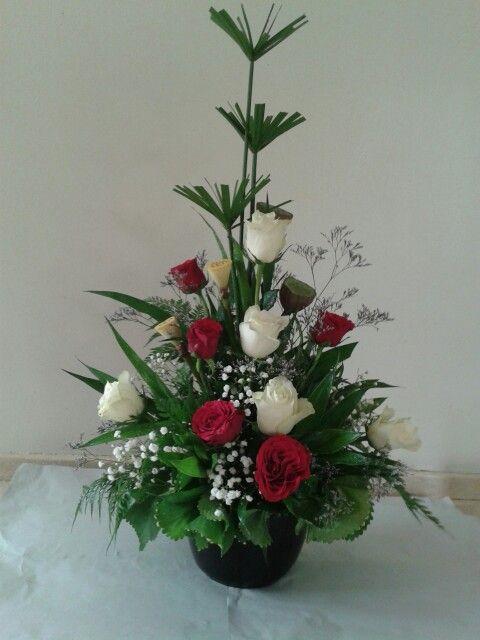 Rose Flower Arrangements Church Flowers Ideas Centre Pieces Corsages Fl Design Christmas