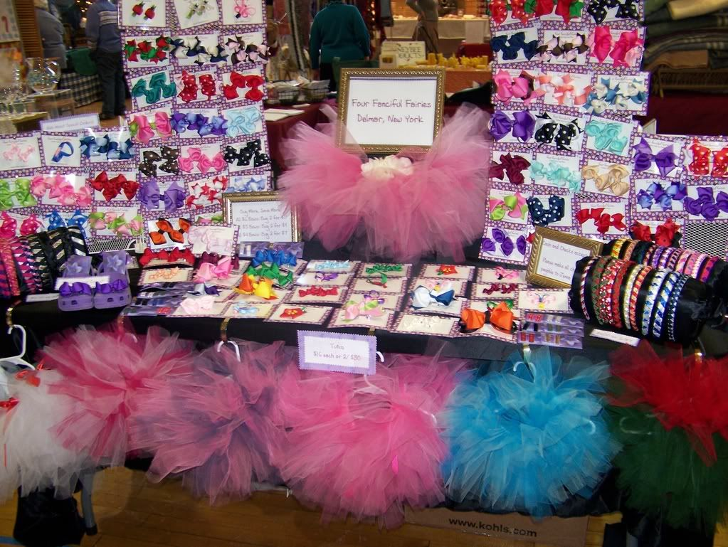 Craft show booth ideas craft show pics hip girl for What to make for a craft fair