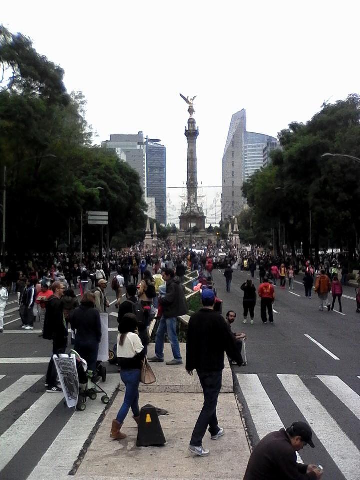(6) Sally Terrazas La marcha esta por llegar al ángel hasta el momento todo bien somos un buen — with Guille USil and Sally Terrazas.