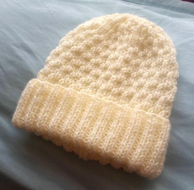 A Hat On Straight Needles Seersucker Zsazsa Brown Knitting Patterns Free Hats Baby Hat Knitting Patterns Free Knit Beanie Pattern