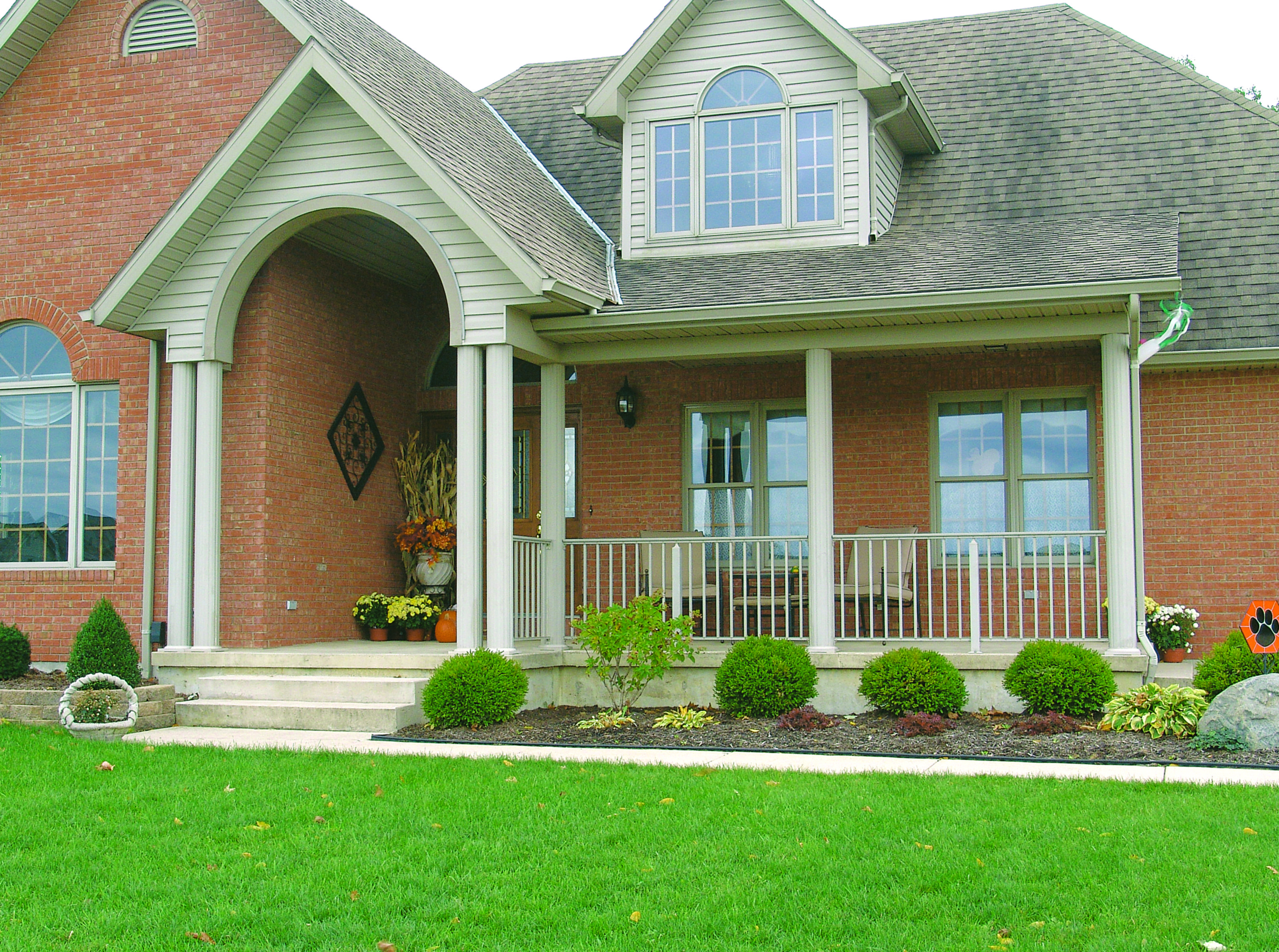 Front porch railing with round fluted columns porch and for Round porch columns