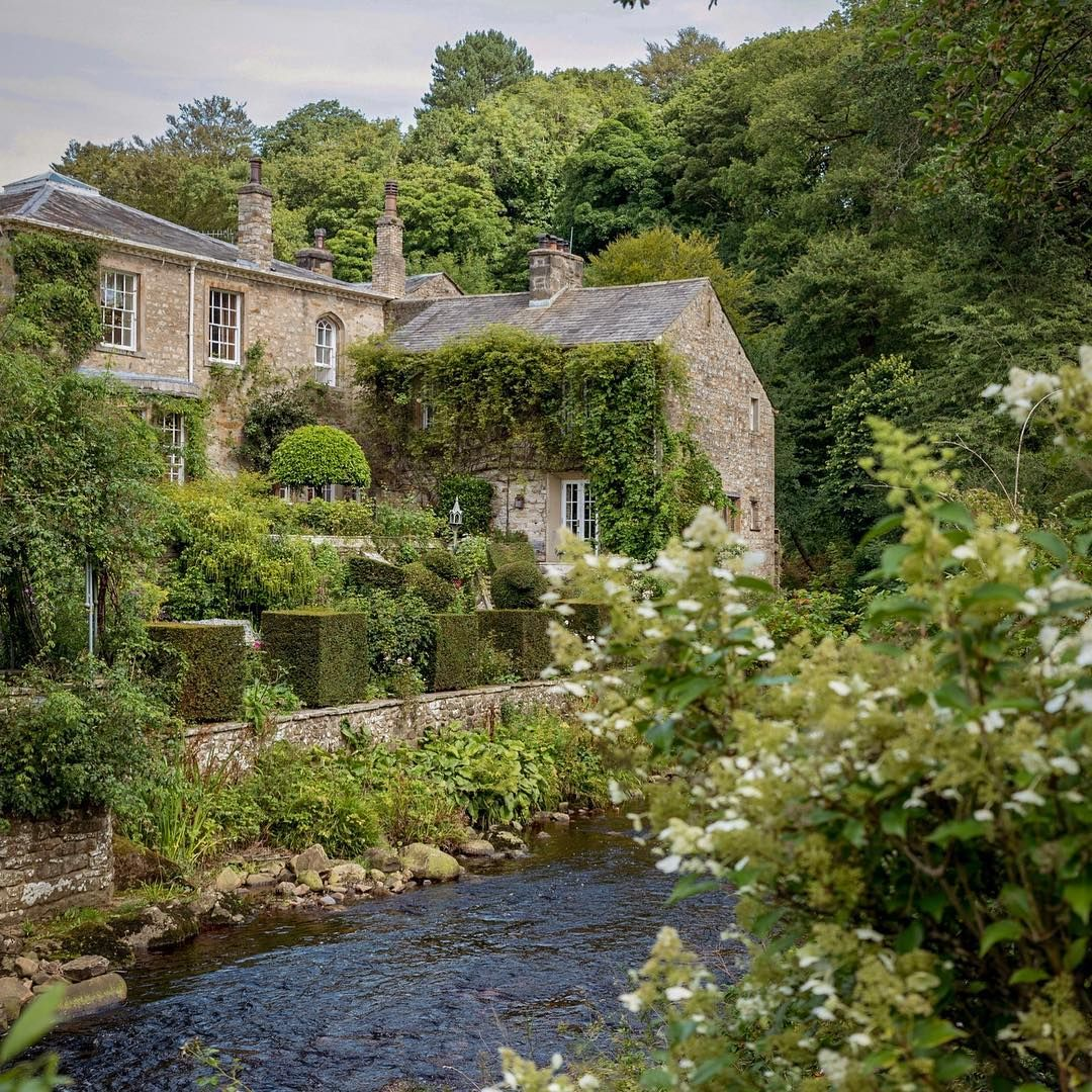 Magical Garden, Beautiful Homes