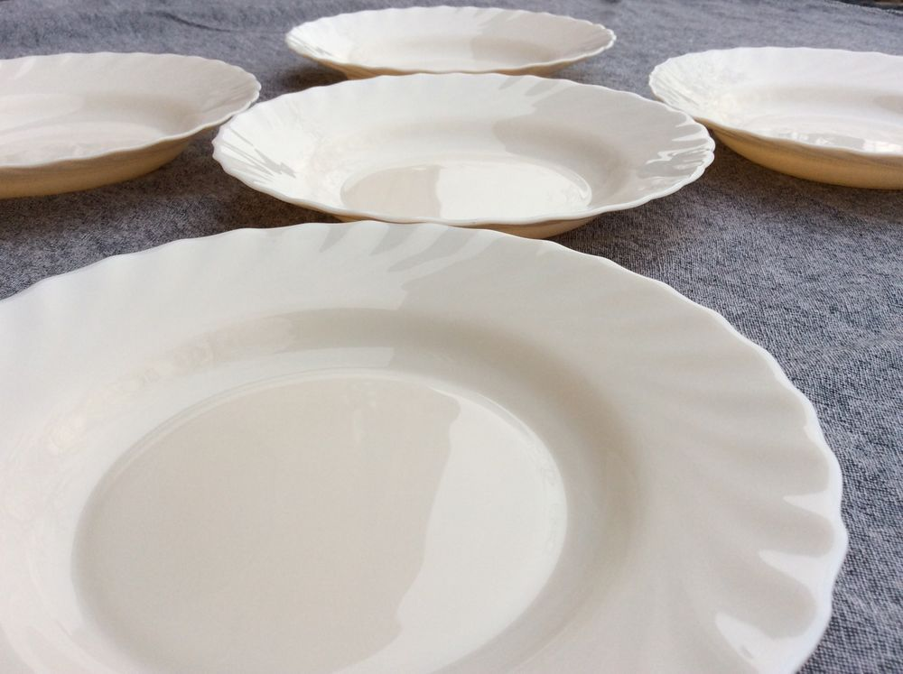 Arcopal Trianon White Swirl Scalloped Rimmed Pasta Soup Bowls Made in France | eBay & Arcopal Trianon White Swirl Scalloped Rimmed Pasta Soup Bowls Made ...