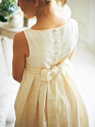 burda- beautiful girl\'s dress | Innocence | Pinterest | Kommunion ...