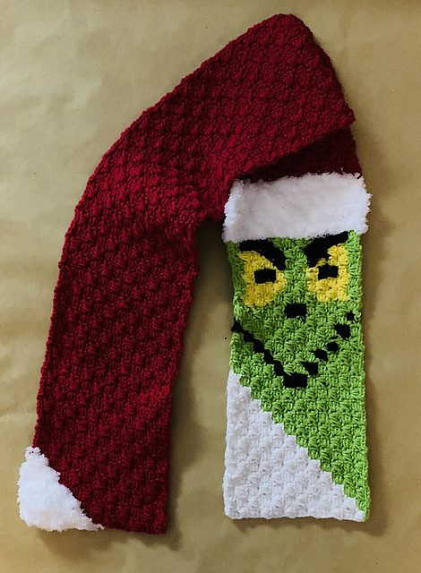 Crochet a Grinch Corner To Corner (C2C) Scarf With a Free Pattern From Jasmine Kennon #grinchscarfcrochetpatternfree
