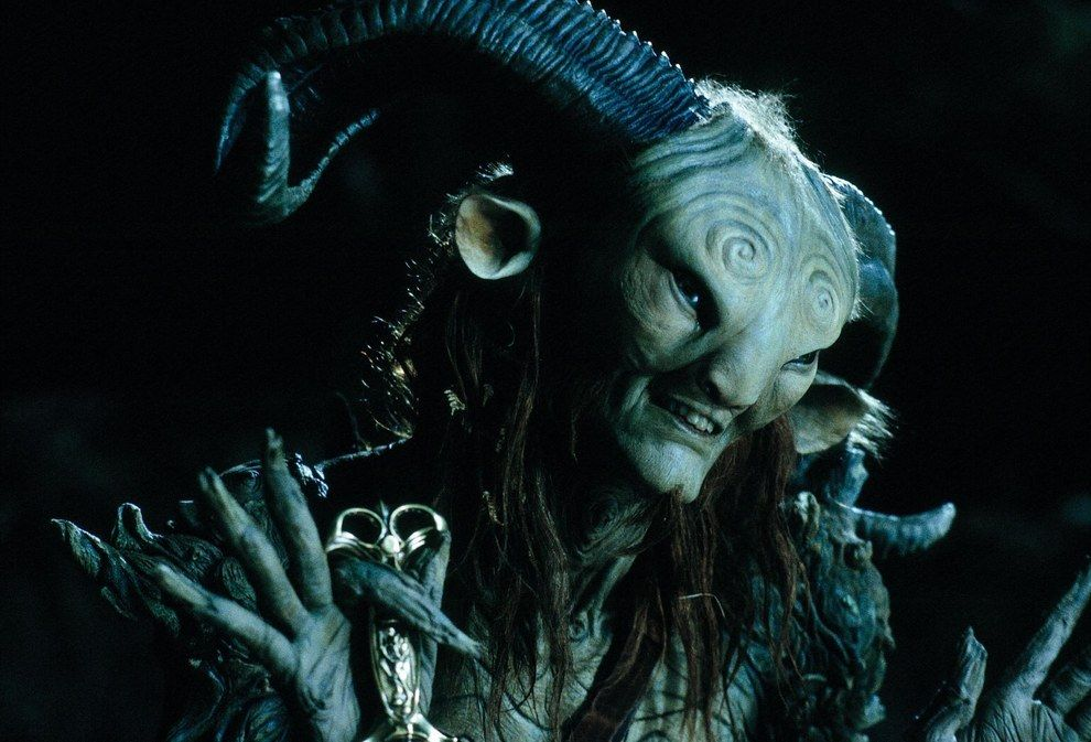 21 Impresionantes Imagenes Que Prueban Que Guillermo Del Toro Viene De Otro Planeta Labyrinth The Shape Of Water War Horse