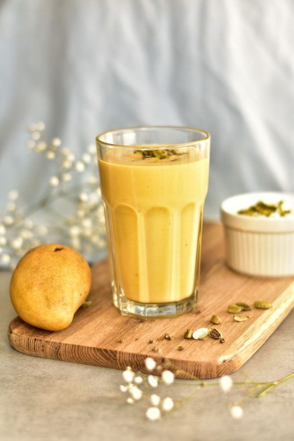 7 Resep Kreasi Minuman Berbahan Yoghurt Bikin Mood Langsung Naik Di 2020 Makanan Lassi Resep Makanan Penutup