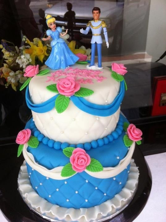 Cinderella her Prince Charming cake Eliana Hmm For The Fun