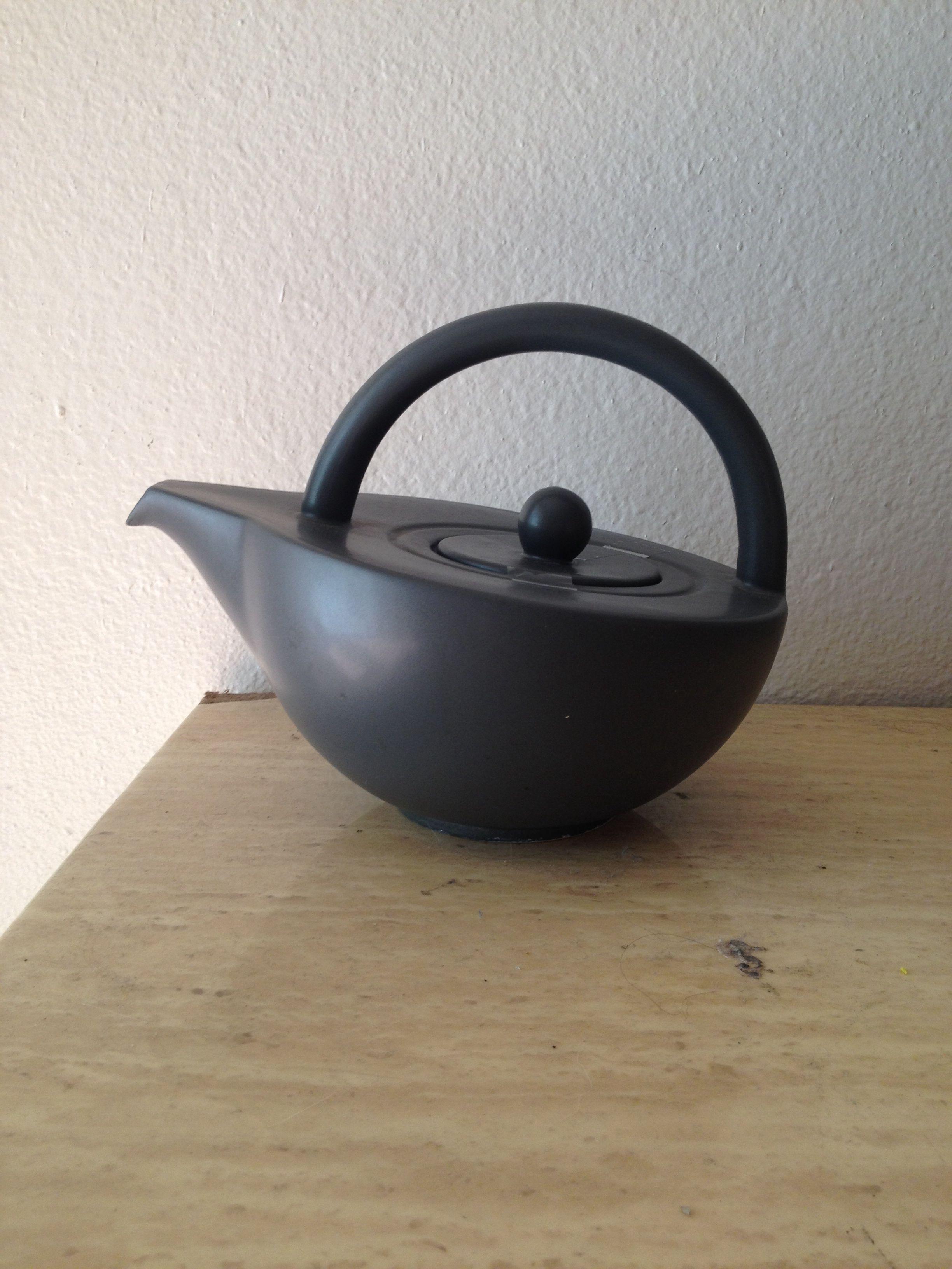 Semi-circle teapot