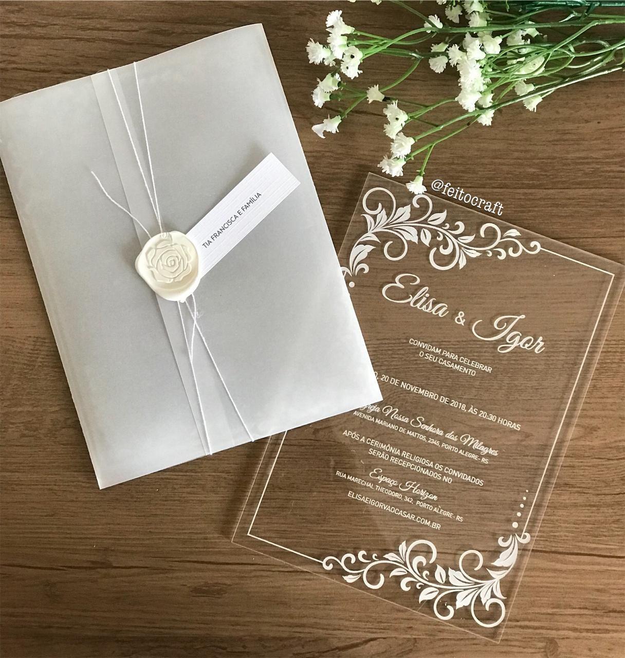 Acrílico no casamento: dicas para usar o material na decoração