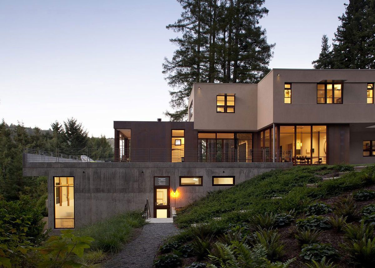 LOVE   This 5,000 Square Foot, Modern Residence Is Set Over Three Levels,  The