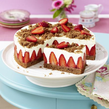 erdbeer torte mit schokoboden und quarkcreme rezept dessert pinterest erdbeer torte. Black Bedroom Furniture Sets. Home Design Ideas