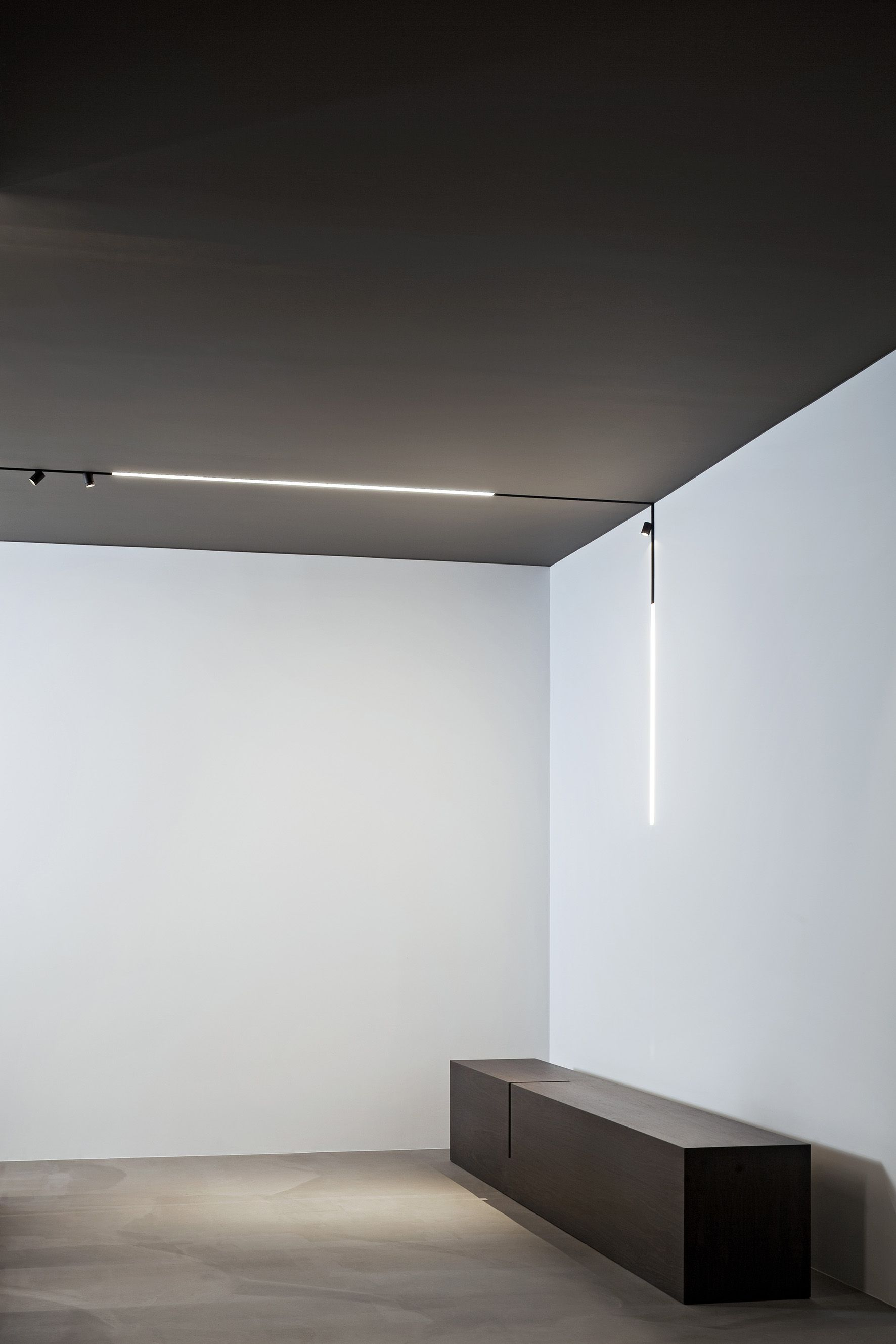 corner lighting. A High-tech LED Lighting System For Interior Architecture. The Running Magnet 2.0 Comprises Corner R
