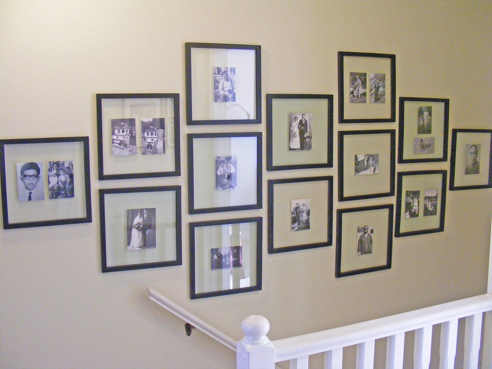 pictures of how to hang family photos in a hallway on wall frames id=37448