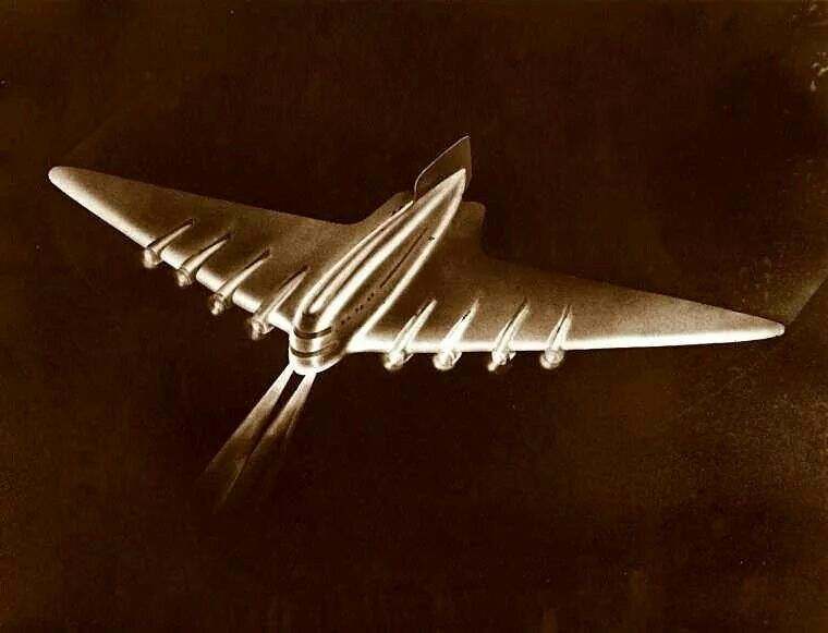 Raymond Loewy. Sketch for gigantic airliner.