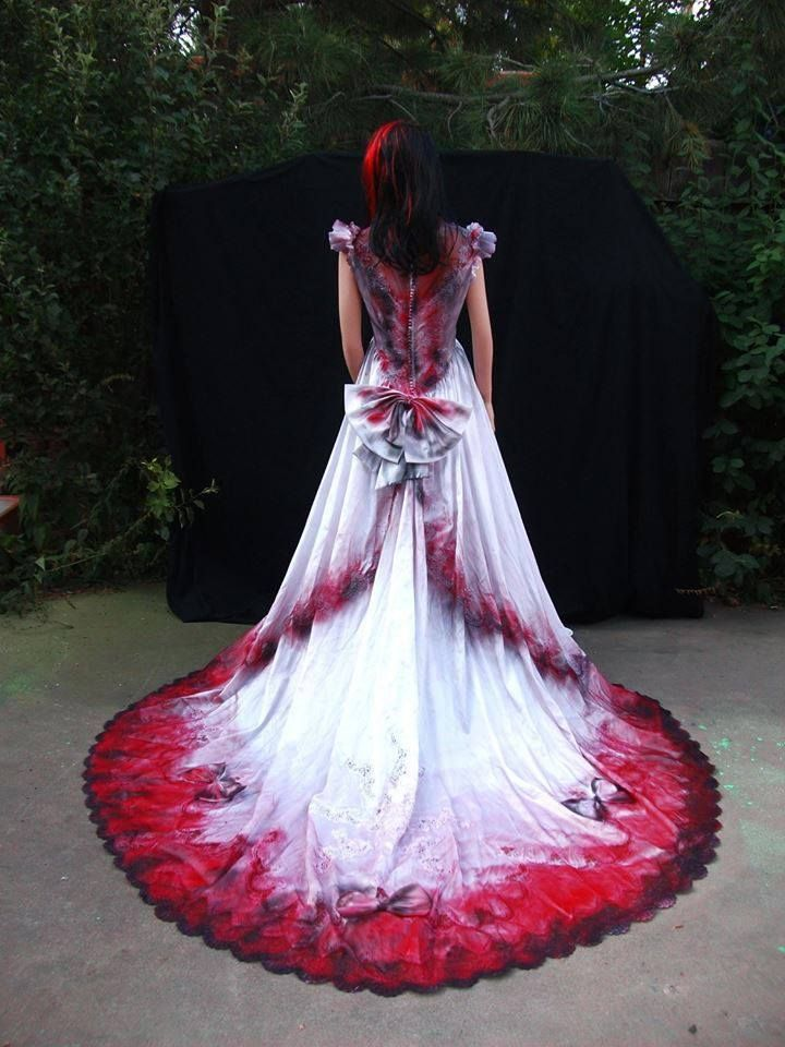 Graveyard Shift Halloween Wedding Dress Gowns Vampire Wedding White Wedding Dresses