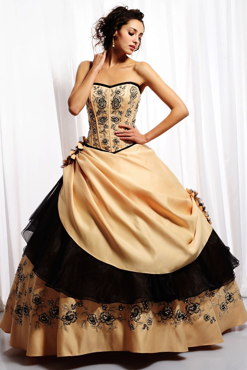ball gown semi sweetheart neckline puffy skirt with embroidery
