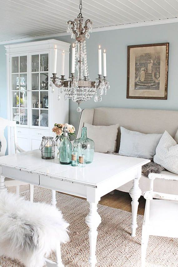 Ideas para decorar con muebles pintados en blanco Shabby Lake