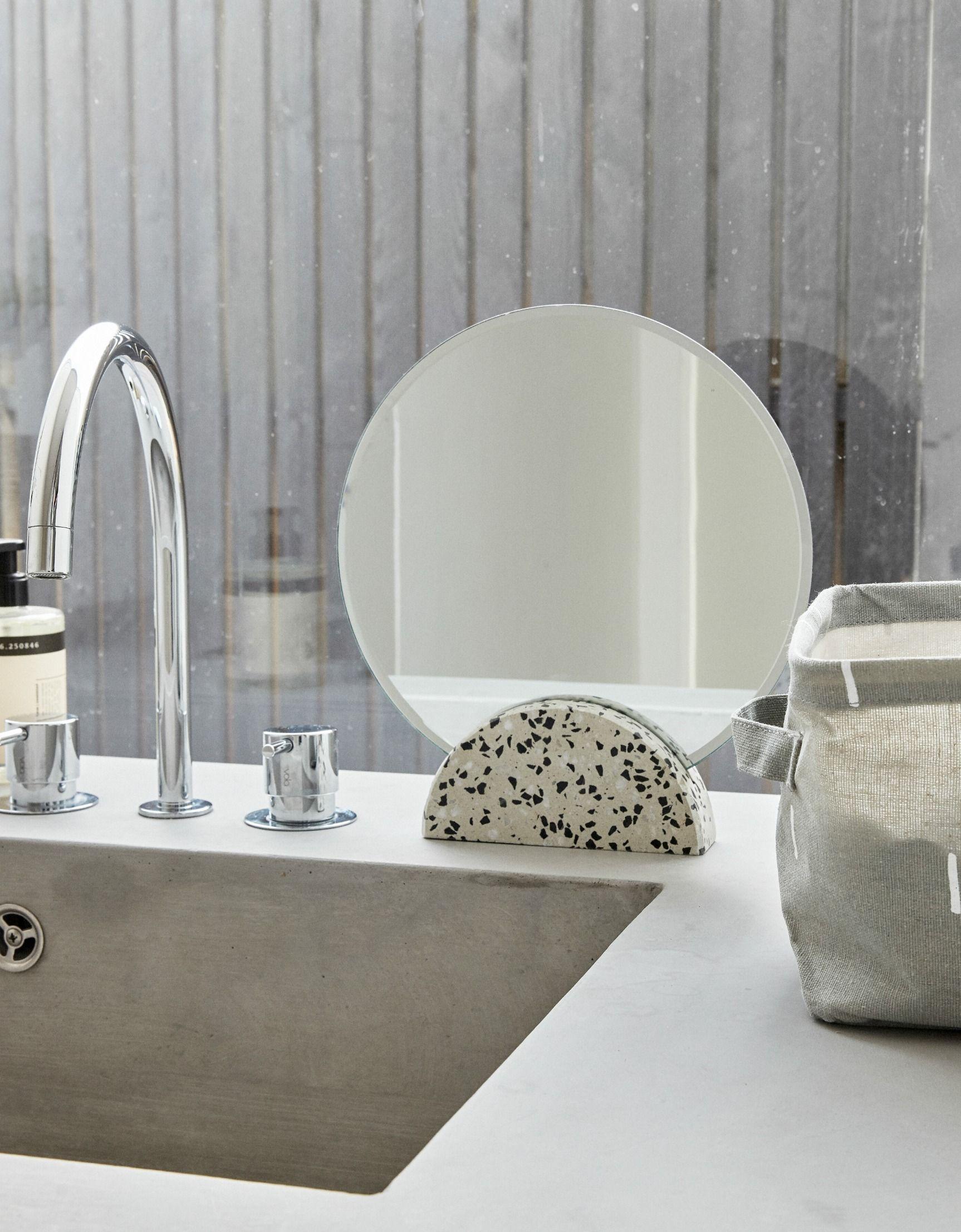 HÜBSCH Kosmetikspiegel Terrazzo rund in 2019 | Hübsch Interior ...