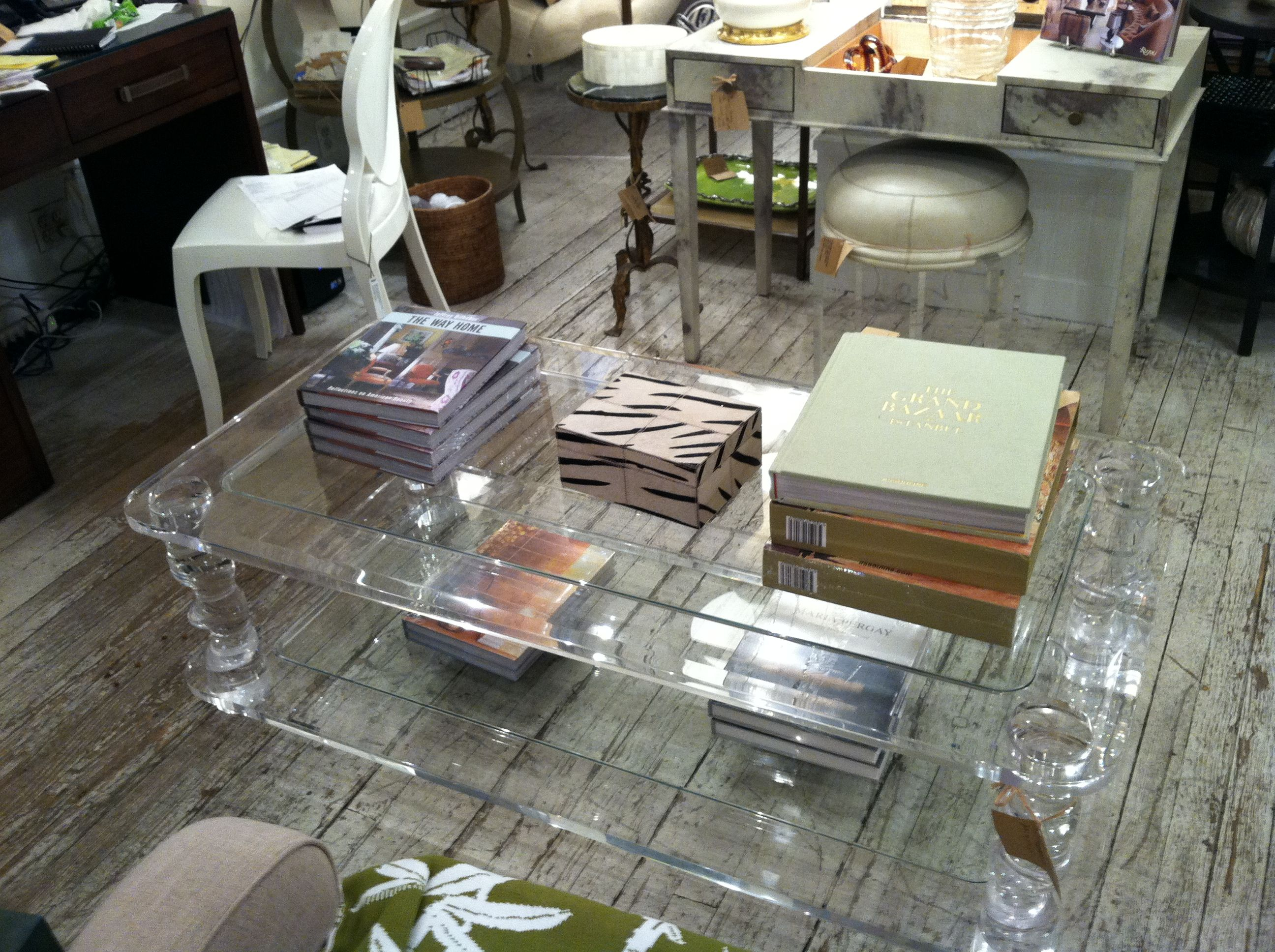 Love To Have This Vintage Lucite Coffee Table For My House