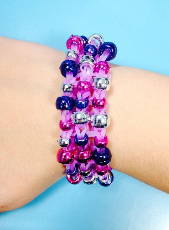 Check Out This Fun Rubber Band Bracelet With Beads