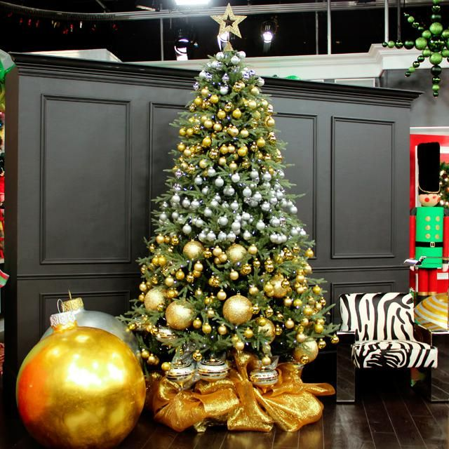 Decorating Home Interior Company Catalog Easy Christmas Tree - how to decorate a small christmas tree
