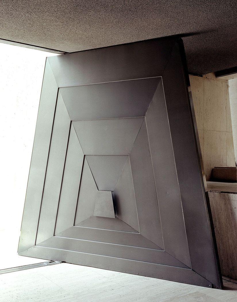 Bernstein Andriulli Douglas Friedman Cool Doors Futuristic Interior
