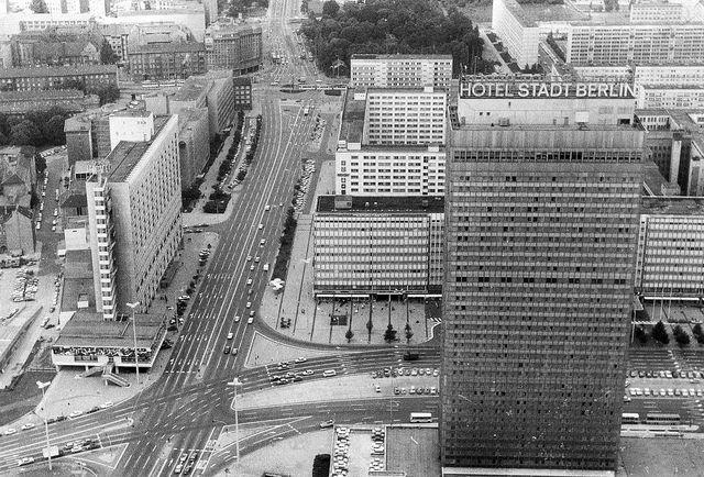 Hotel Stadt Berlin Alexanderplatz Circa 1980 East Berlin Berlin Berlin Wall