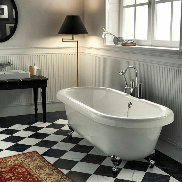freistehende badewanne mit armatur und f ssen aus chrom bad freistehende badewanne. Black Bedroom Furniture Sets. Home Design Ideas