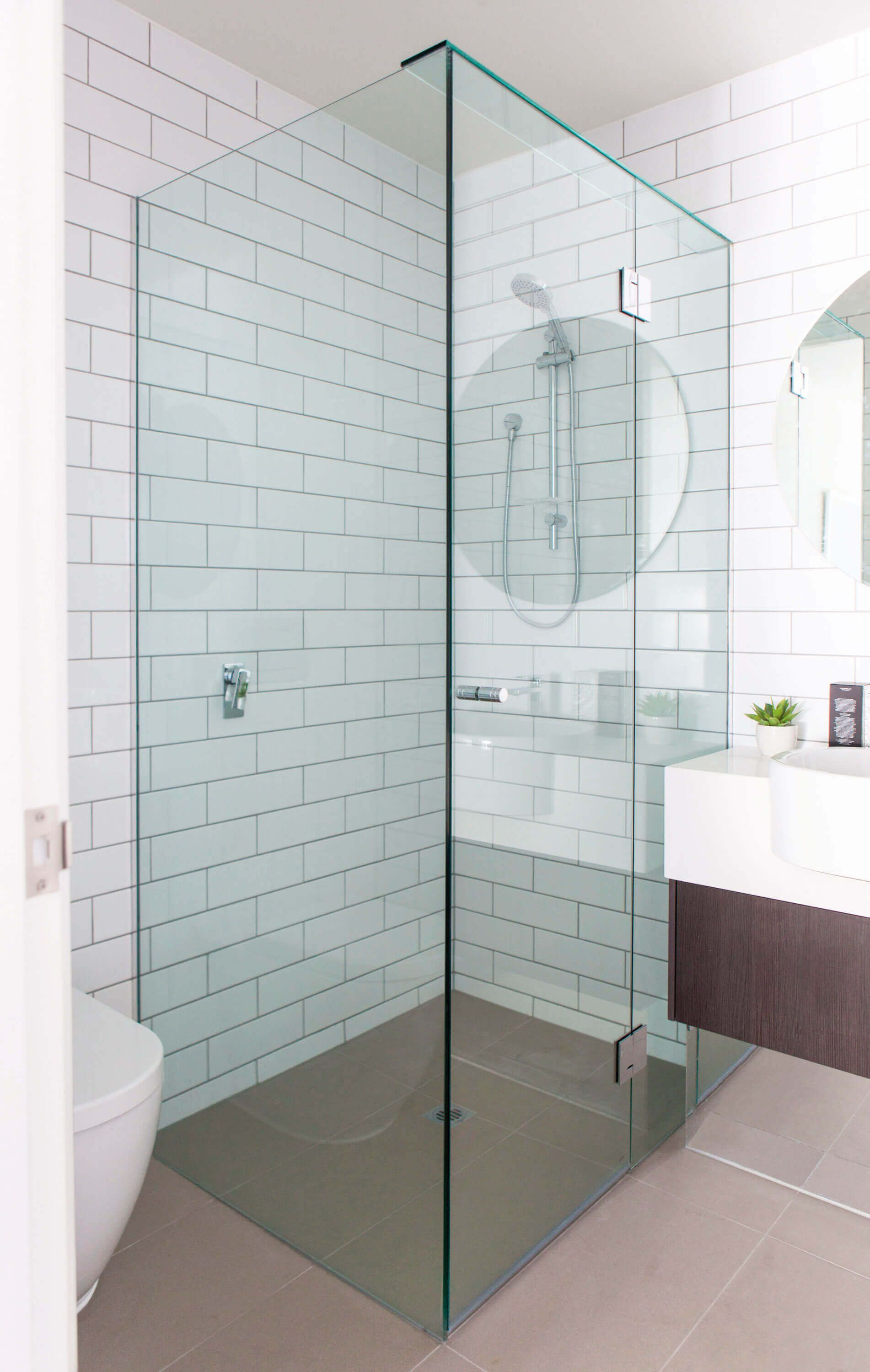 Frameless Shower Screen - Fully Frameless Shower Screens - Bathroom ...
