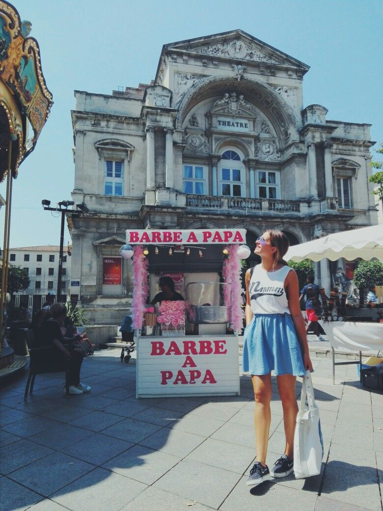 👅👅👅 Provence - Avignon - La France et ses beautés. Noisy May jeans skirt, Mmm tank top, janoski stellar star sneakers, twiggy river woods bag - mademoiselle pardon