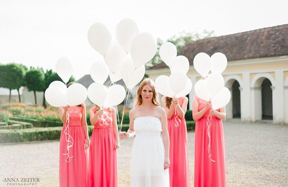 bunte #Junggesellinenkleider. #Luftballons zur #Hochzeit ...