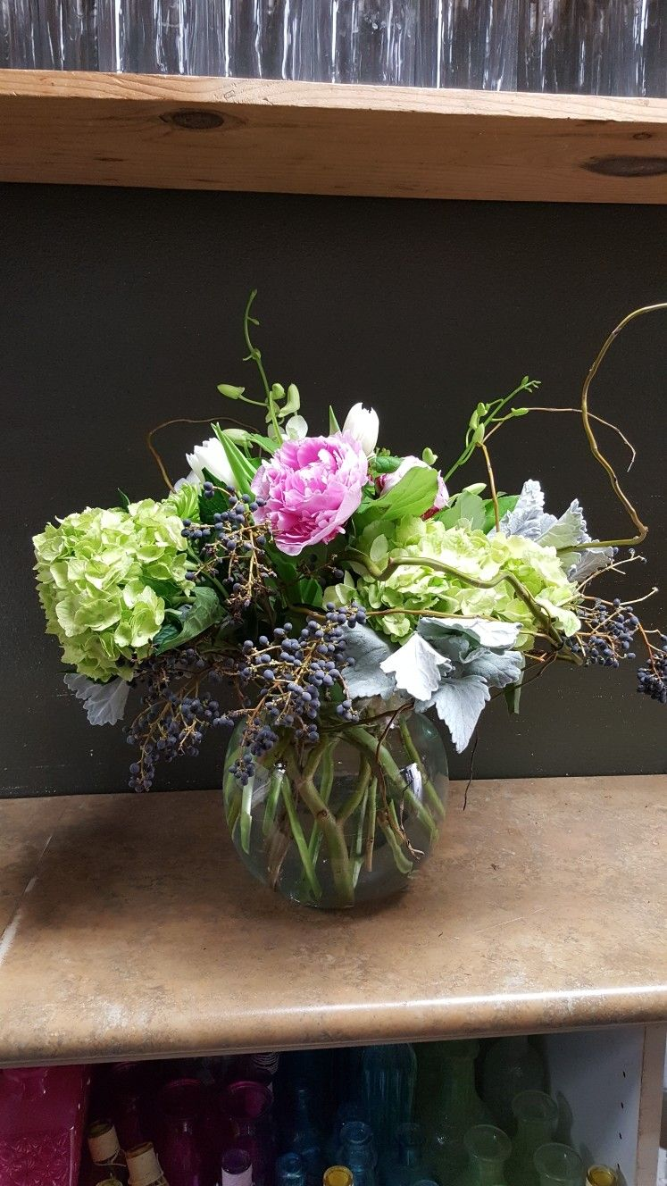 Greens And Pink Whites Flower Arrangements For Weddings And Events