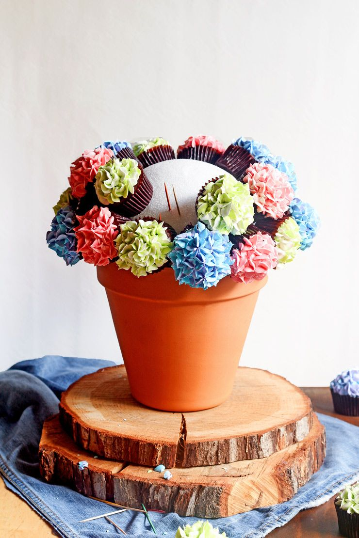 How To Make A Cupcake Bouquet With Video Buttercream Flowers
