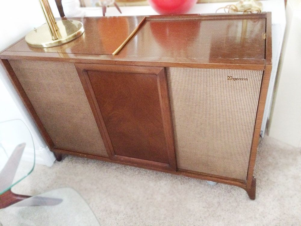 Mid Century Modern Hi Fi Stereo Console Magnavox AM/FM Turntable Record  Player Cabinet Danish Modern M⦠| Stereo console, Vintage stereo console,  Mid-century modern