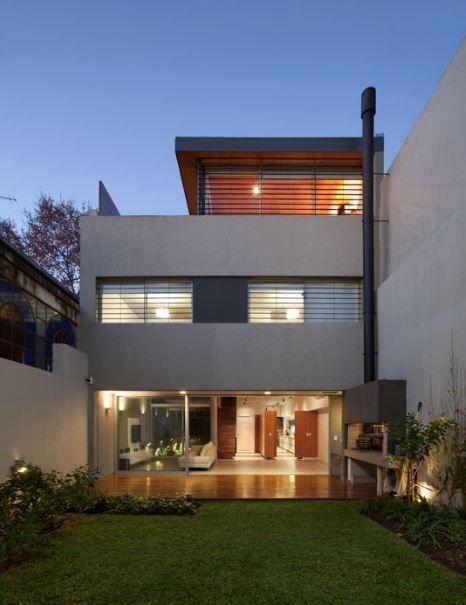 Fachadas entre medianeras arq pinterest fachadas for Viviendas minimalistas pequenas