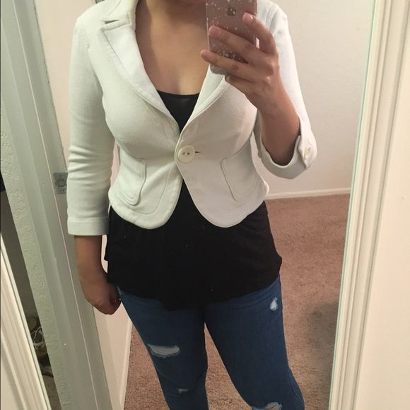 Cropped Bebe blazer Perfect for a night out or work. bebe Jackets & Coats Blazers