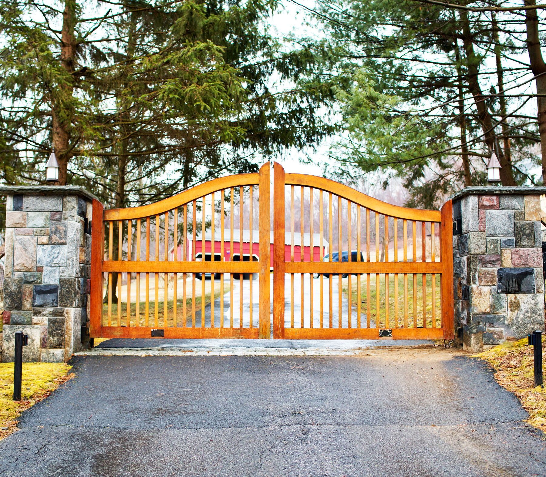 A Simple Wooden Driveway Gate With Clear Stain To Let The Wood Grain And Color Come Through Installed By Tri S Wooden Gates Driveway Driveway Gate Gate Design,Drawing Sacred Heart Of Jesus Tattoo Designs