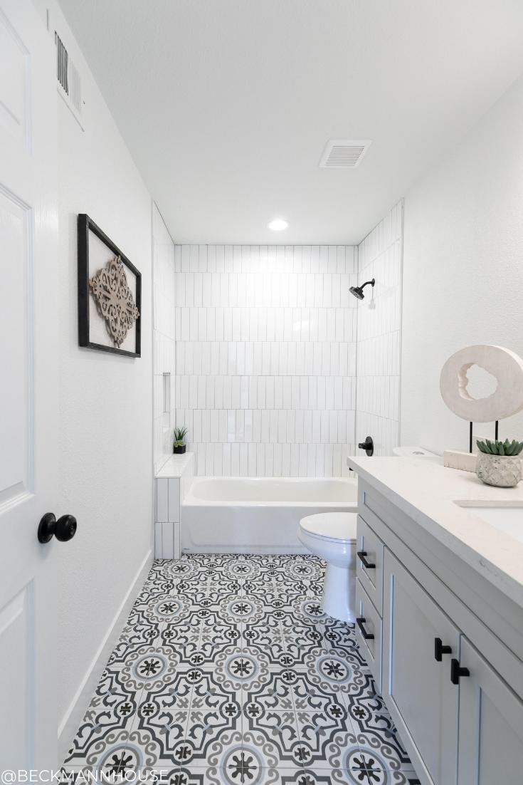 Hall Bathroom Design By Beckmann House Bathroom Design Small Bathroom Design Bathroom Interior Design