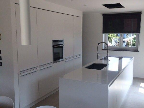 Cucina ad isola laccata bianca   Cucine, Idee per la cucina ...