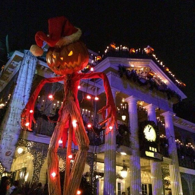 This is #Halloween!  #disneyland #halloweentime #mickeyshalloweenparty #hauntedmansion #nightmarebeforechristmas #nofilter
