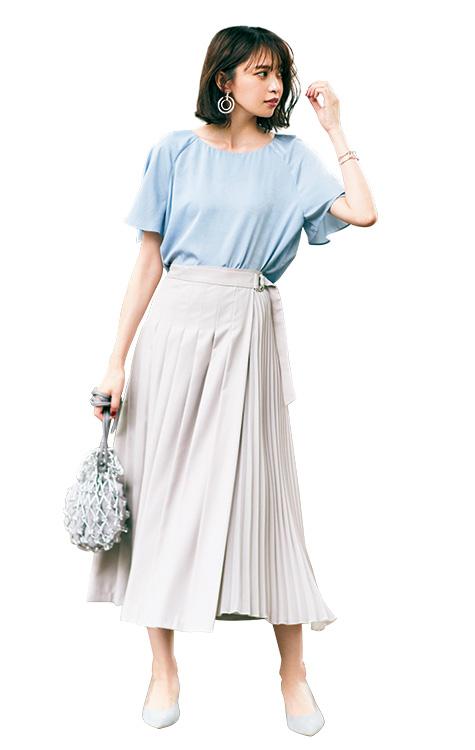 Nbbの水色ブラウスで美人見え ディテール効かせて新鮮な寒色まとめの通勤コーデ ファッションアイデア 女性 ファッション